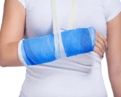 Помощь при переломах