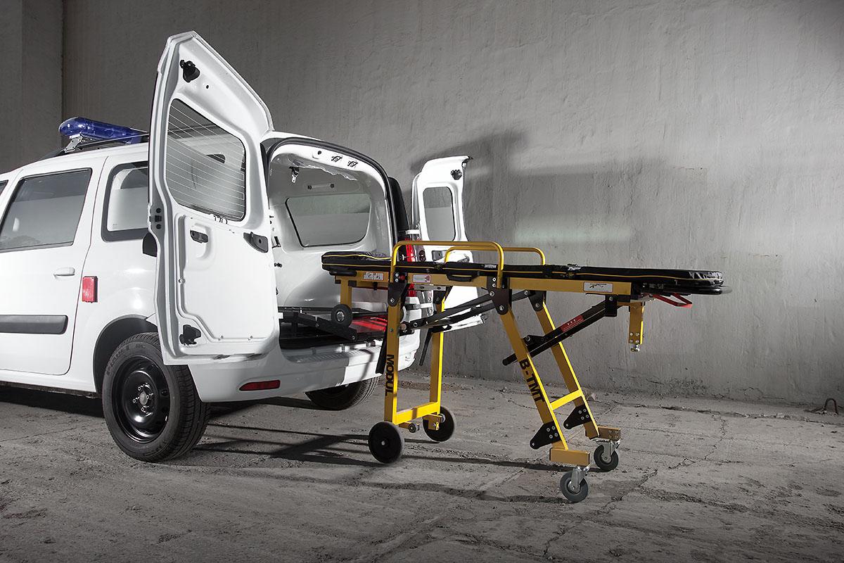 Как осуществляется перевозка лежачих больных скорой помощью
